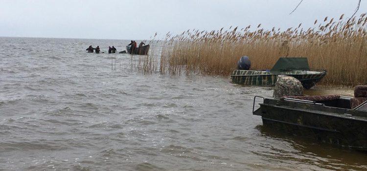 У Глобинському районі на р. Дніпро тривають пошуки трьох людей, які перекинулися на човні (оновлено)