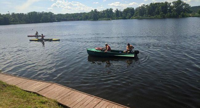 Забезпечено безпеку на воді під час змагань з веслування на байдарках і каное