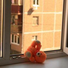 Відчинене вікно – джерело небезпеки для дітей